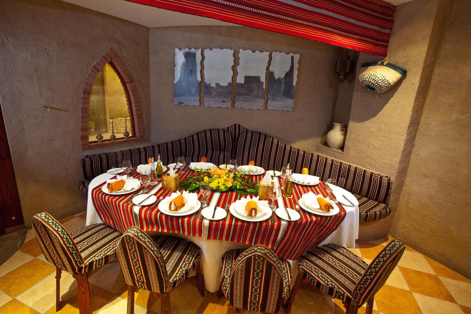 http://alliwansuites.com.qa/suites/wp-content/uploads/2016/03/dining4.jpg