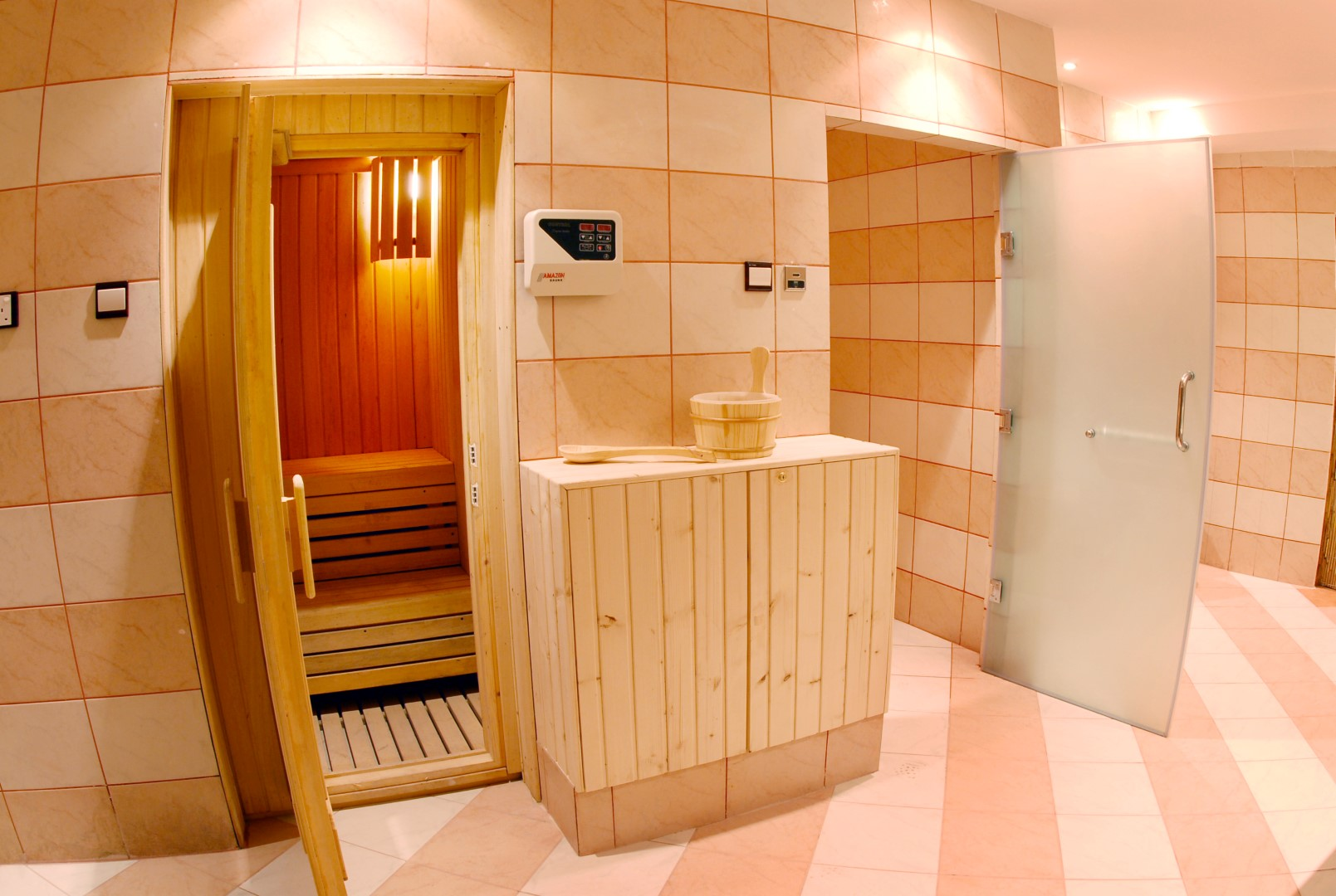 http://alliwansuites.com.qa/suites/wp-content/uploads/2016/06/Sauna-Steam2.jpg